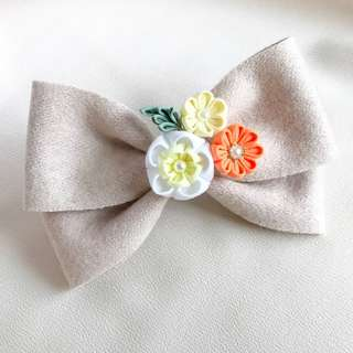 Rustic flower hair barrette, yellow flower rustic clip, rustic hair barrette, rustic flower hair bow, spring hair bows, yellow rustic bow