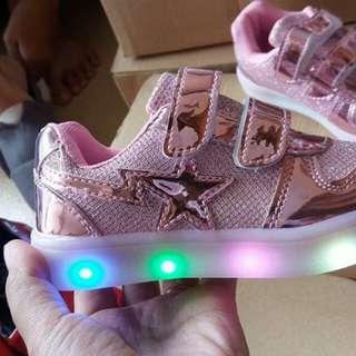 Sepatu LED Anak perempuan