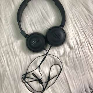 JBL BLACK HEADPHONES