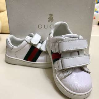 Gucci BB 鞋