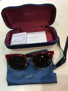 Gucci - Sunglasses (Red) 🕶
