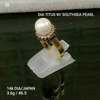 Ladies ring with southsea pearl and dia