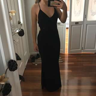 BACKLESS FORMAL GOWN