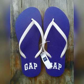 GAP Slippers (Size 6)