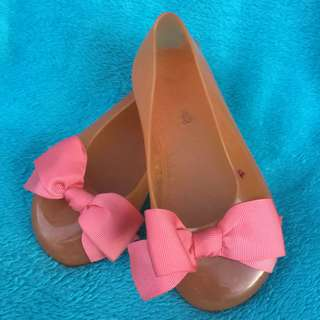 Plastic Doll shoes with ribbon