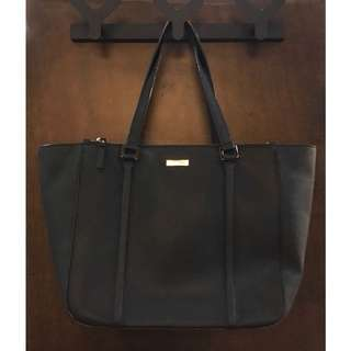 Large Kate Spade Leather Tote in Black.