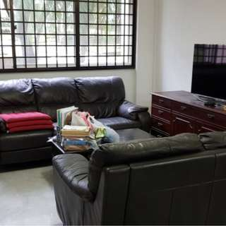 Near NUS Campus Blk 612 Clementi West Street 1 4A 3+1 HDB For Rent Nearby West Coast Plaza Shopping Bus Services 97, 188, 196, 197, 198, 963