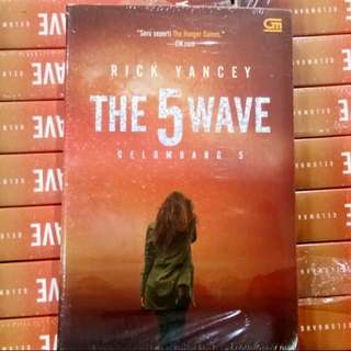 Buku Novel Best Seller The 5th Wave - Gelombang 5 oleh Rick Yancey