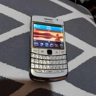 Blackberry onyx white