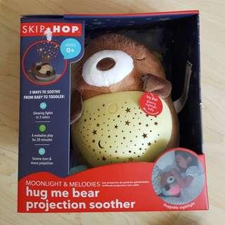 BNIB Skip-Hop Hug Me Projection Soother Bear