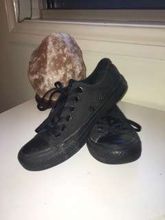 CONVERSE ALL BLACK lowtops