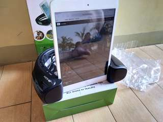 EZY Stand and blutooth speaker for all kinds of tablet
