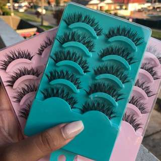 Natural Wispy Eyelashes Five Pack