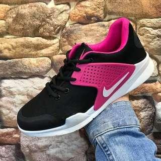 Nike arrow for ladies