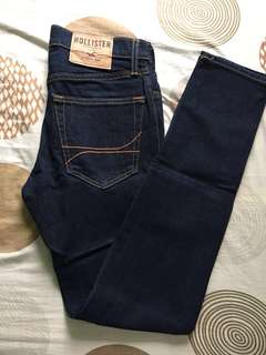 Authentic Hollister skinny pants