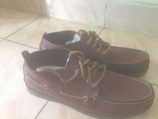 Sperry red maroon