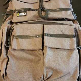 NG W5070 國家地理中型雙肩後背包