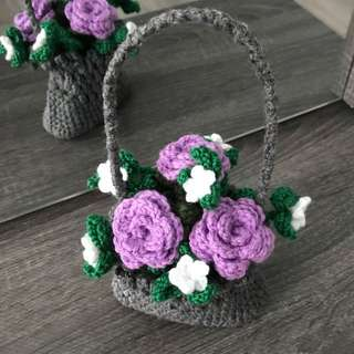Crochet grey basket with roses - lilac