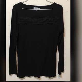 日本黑色長袖上衣Black long sleeve top