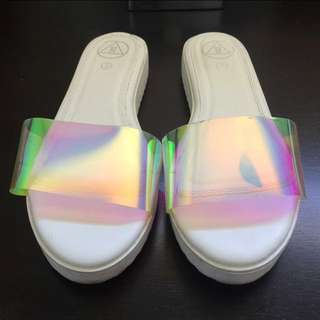 MISSGUIDED HOLOGRAPHIC SANDALS
