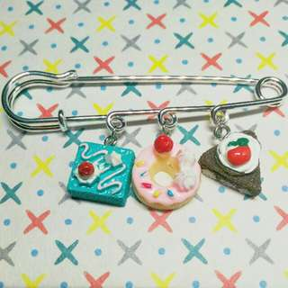 Cakes Charms Bag Brooch
