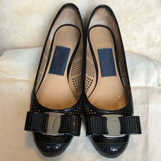 👠95% new : Salvatore Ferragamo