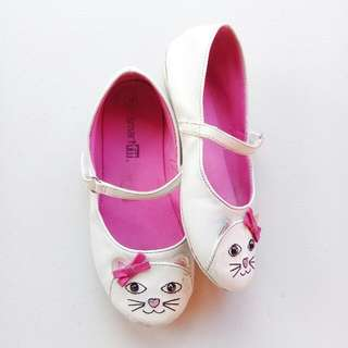 SMART FIT KITTY CAT KITTEN SHOES SIZE 10 (WHITE)