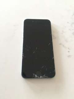 iPhone 6 Space Grey 16GB (Cracked Screen)