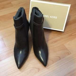 Michael kors 深咖啡真皮短靴