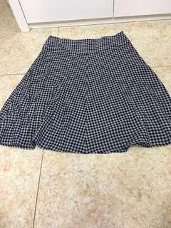 斯文裙agnes b法國製造,98%new只試穿過一會size 42