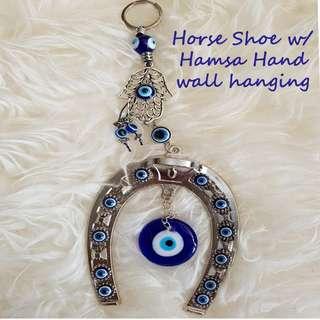 Horse shoe w/hamsa hand wall hanging