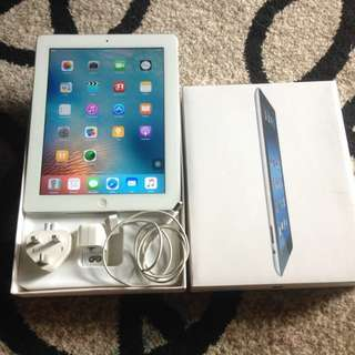 IPAD 2 WHITE 64 Gb 3G Wifi + Cellular