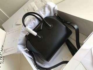 Givenchy Antigona Mini🎊Boutique🎊