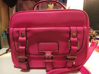 桃紅側揹袋