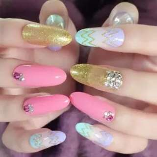 3D Colorful Shimmer Glitter False Nails Long Wave Hot Pink Acrylic Nails Gold Oval Rhinestones Press On Nails Z281