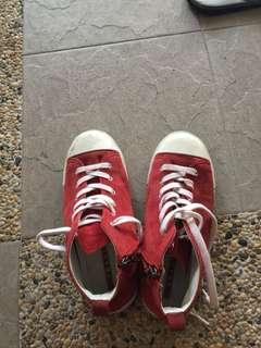 Prada toodlers shoes yall prada