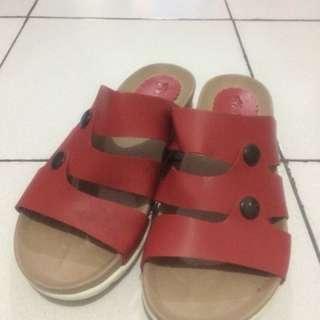 Sandal Akiko Merah