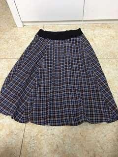agnes b半截裙,羅馬尼亞製造size 3