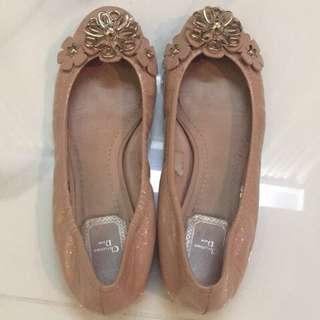 🚚 Dior 花花造型娃娃鞋
