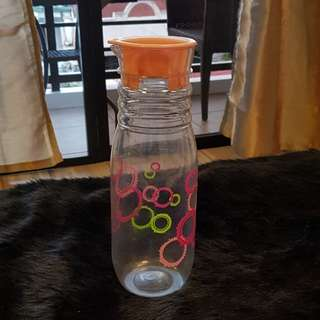 FREE preloved plastic water bottle 1000ml(1 item per transaction)