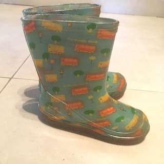 Kids plastic Boots. Used, cond:7.5/10. Bottom sole measures 7cm #bajet20