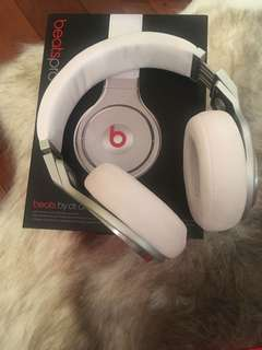Authentic beats by Dre Studio Pro