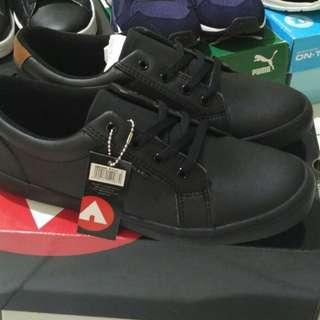 Sepatu airwalk christoper full black