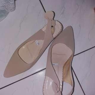 Sepatu wedges pita