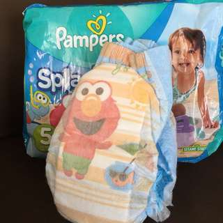 huggies and pampers swim diaper