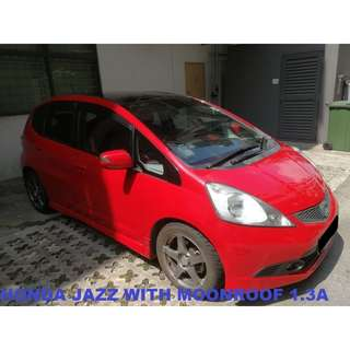 Honda JAZZ (WITH MOONROOF)