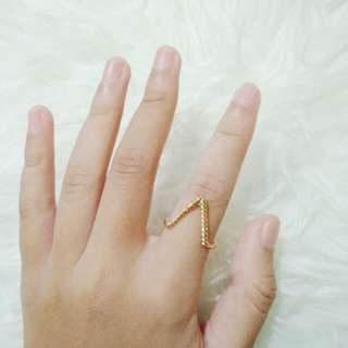 Golden V ring