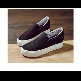Canvas Loafers / slip on shoes