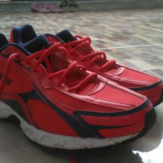 Sepatu Running #FISIPUNIS