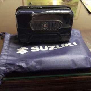 Suzuki旅行過夜包